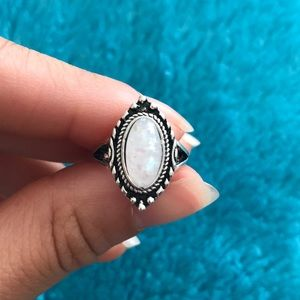 Jewelry - vintage white opal ring